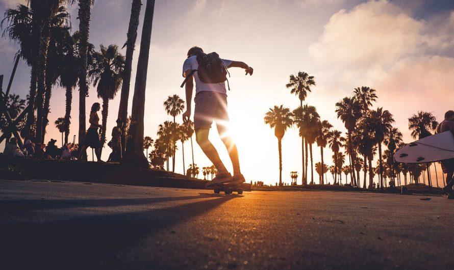 Le skate électrique, l'instrument à ne pas louper en été.